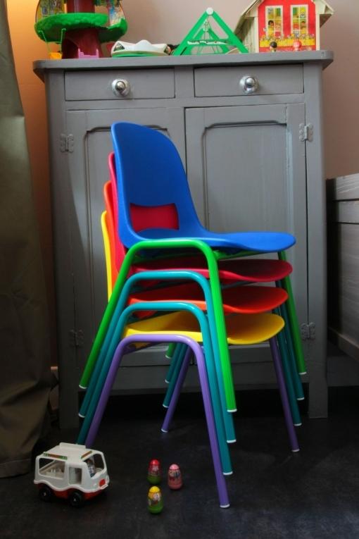 Chaise-kokette-rouge-garden-a-coordonner