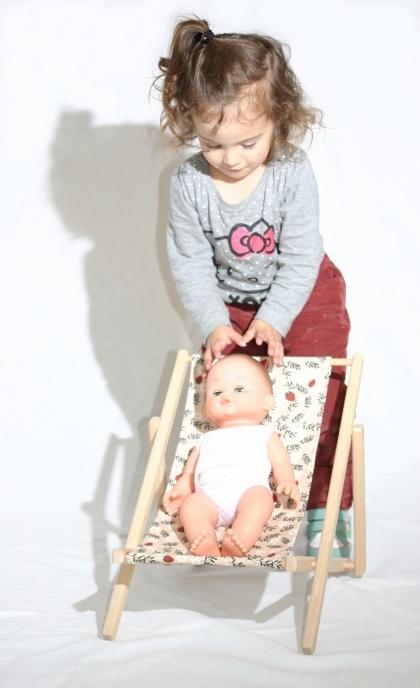 Chaise-longue-chilienne-poupees