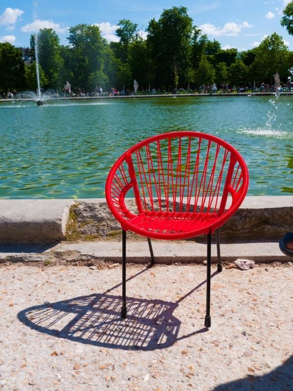 Chaise en scoubidou tress pour enfant mod le rouge for Chaise en fil scoubidou