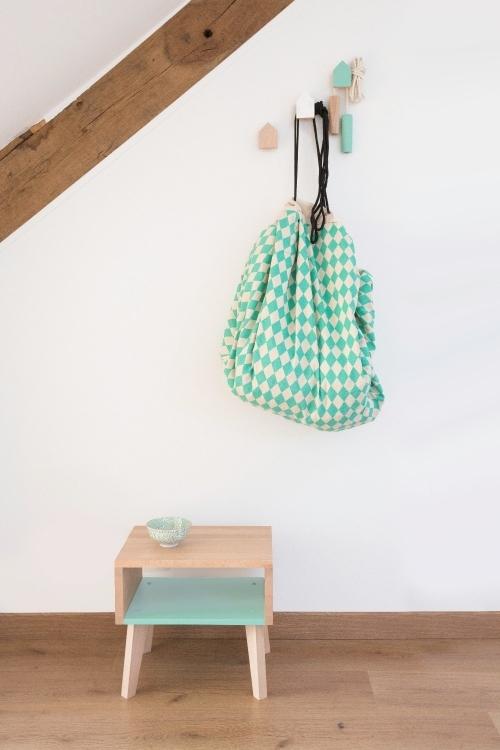 chevet bout de canap rose. Black Bedroom Furniture Sets. Home Design Ideas