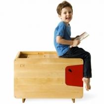 Coffre-jouet-chambre-enfant-bois-et-rouge