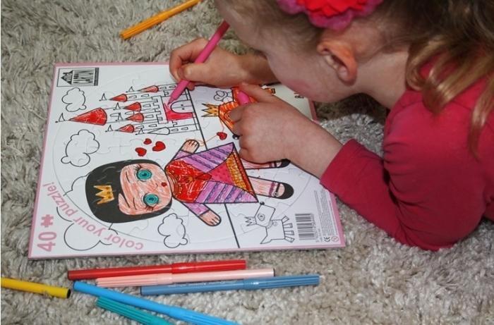 Puzzle-villa-carton-coloriage-princesse