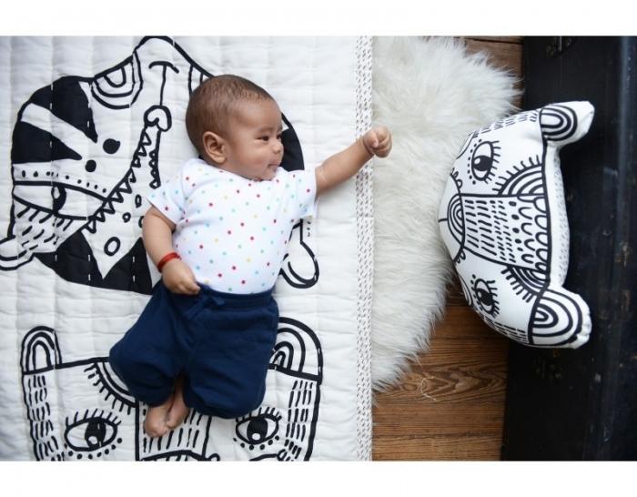 Tapis-couverture-black-white-bebe