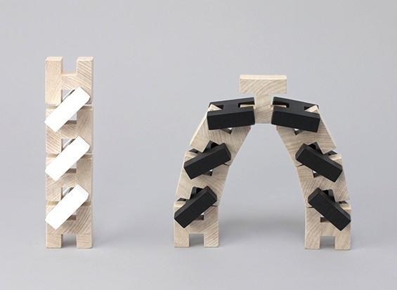 Cube-jeu-bois-rock-pebble-noir