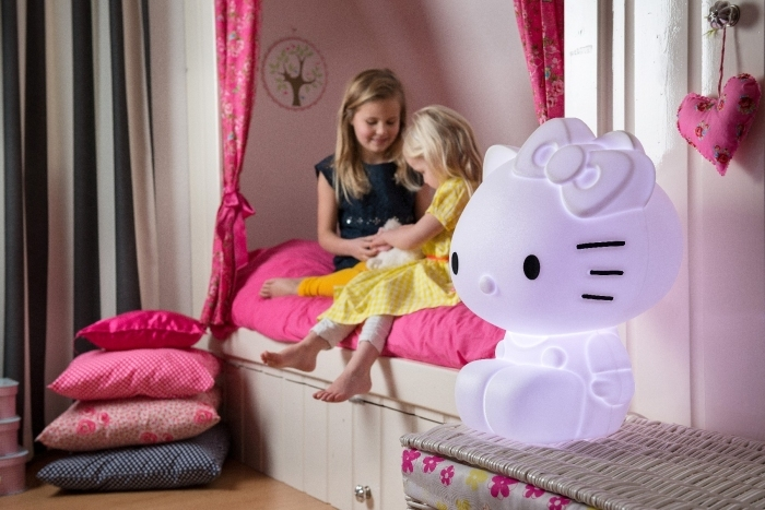 lampe-design-chambre-enfant-fille-hello-kitty