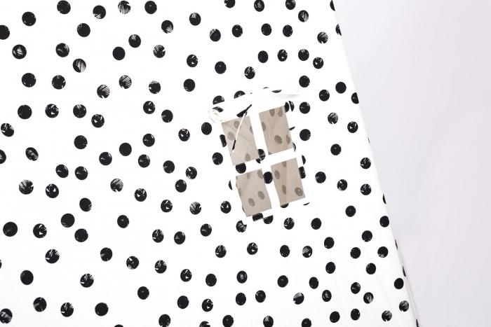 Deuz-la-tente-2015-version-black-and-white