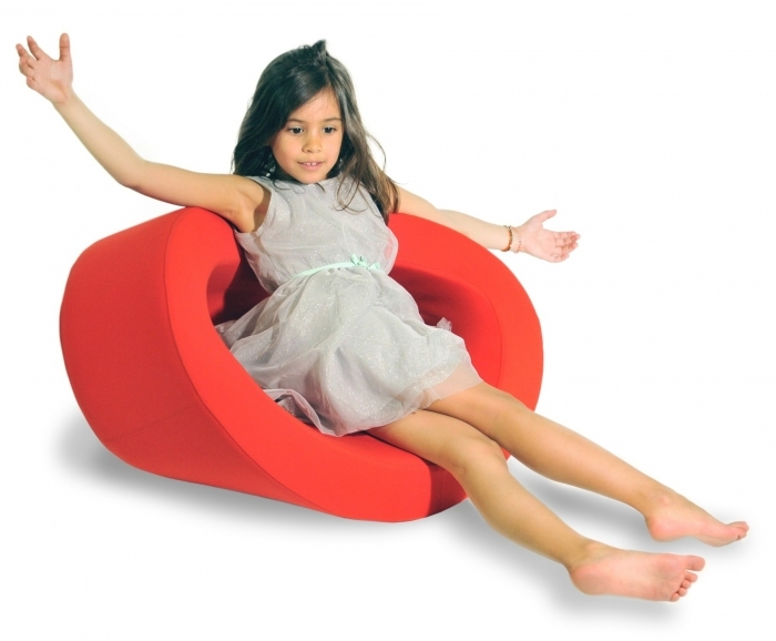 Fauteuil-design-enfant-rouge
