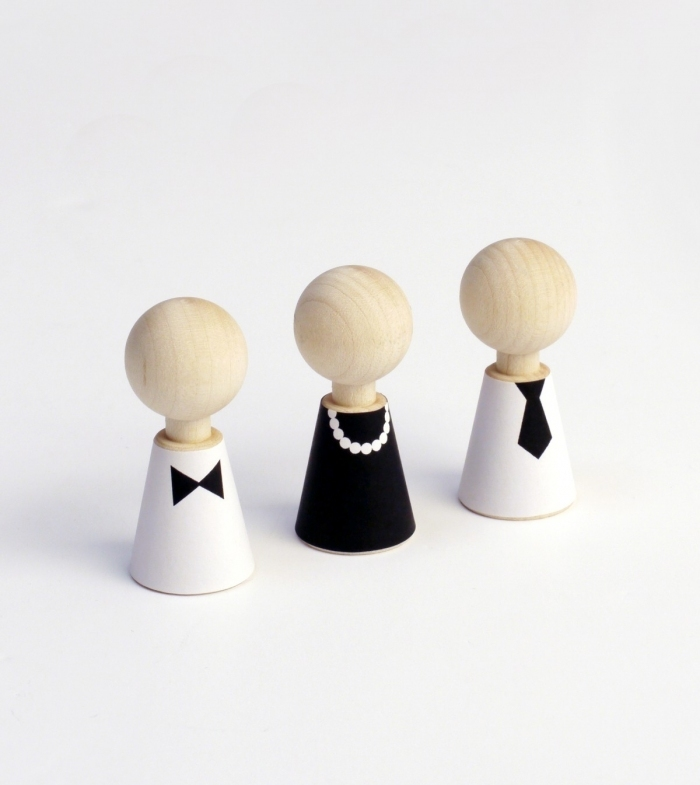 Rock-and-pebble-poupees-figurines-bois
