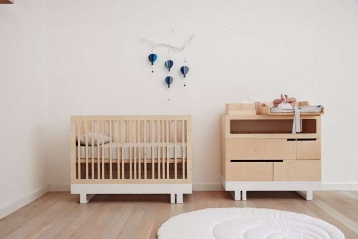 amenagement-chambre-bebe-commode-et-lit-barreaux