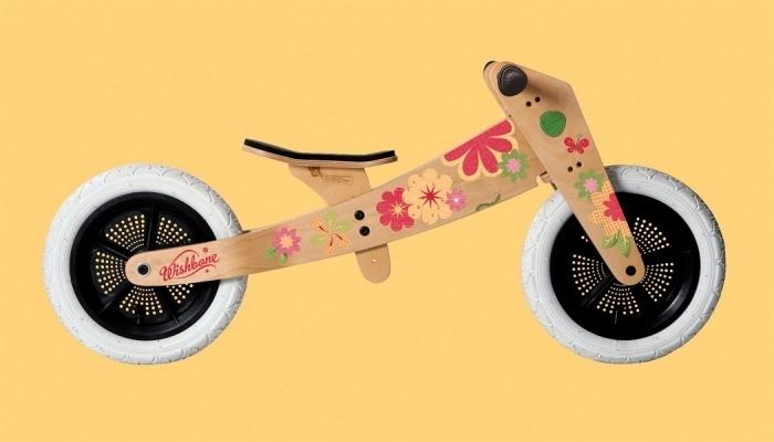 Stickers-fleurs-pour-decorer-la-draisienne-wishbone