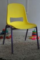 chaise-retro-ecole-maternelle-rouge-garden