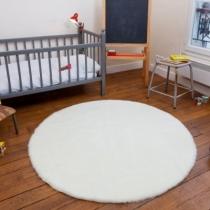tapis-fourrure-blanche-ronde-pile-poil