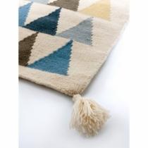 tapis-artforkids-kilim-triangles-bleus
