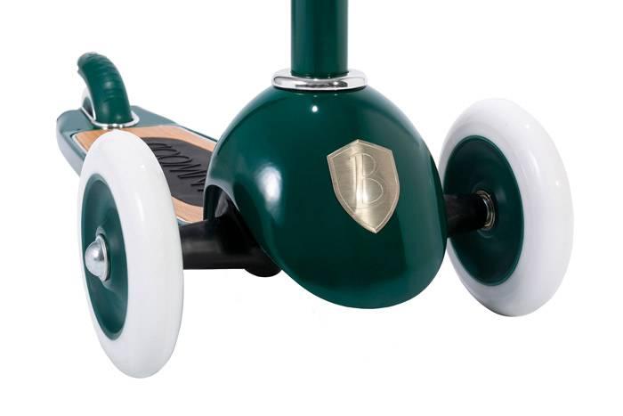 banwood-trottinette-vert-en-metal