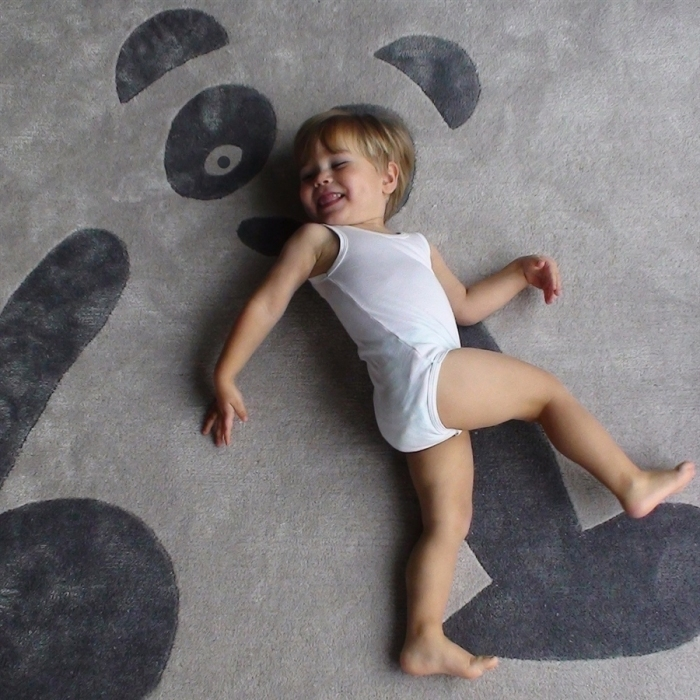 Panda-gris-tapis-enfant-art-for-kids