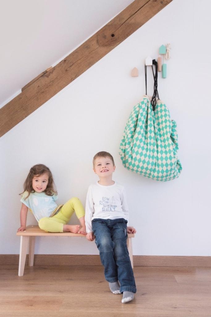 banc-bois-chambre-enfant-corridor-pauletteetsacha