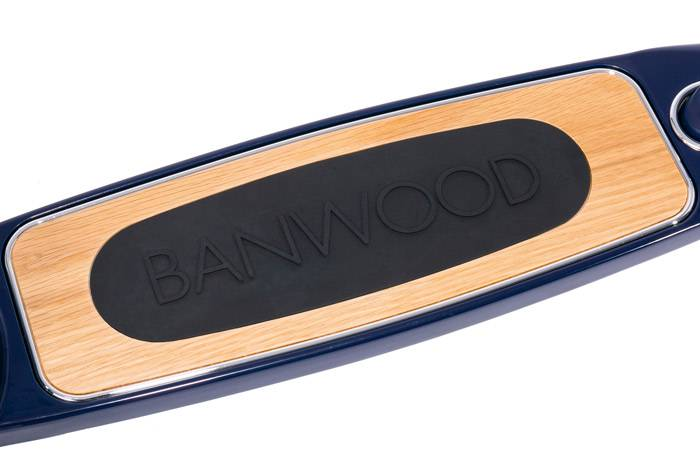 zoom-plateau-trottinette-bleu-banwood