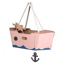 joli-bateau-bois-rose-se-deguiser