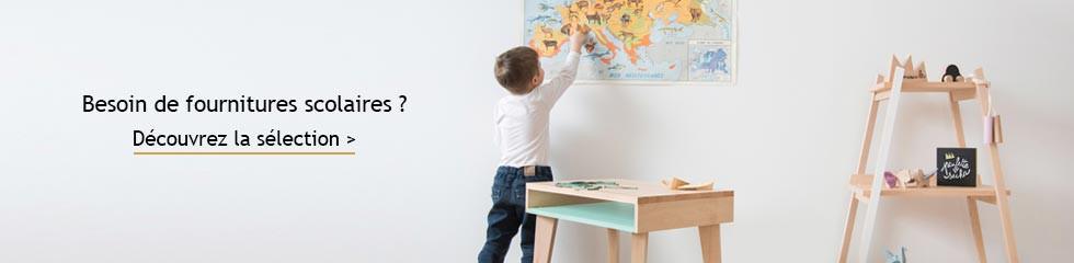 fournitures-scolaire-ecole-enfant-feutres-crayons-bureau
