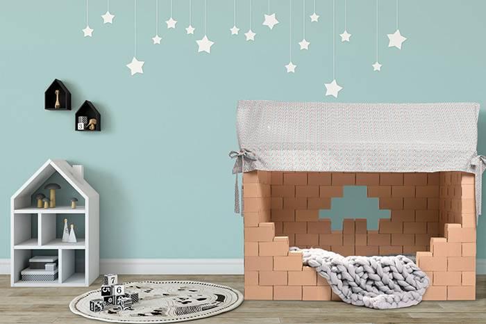 cabane-lit-briques-de-constructions-en-carton