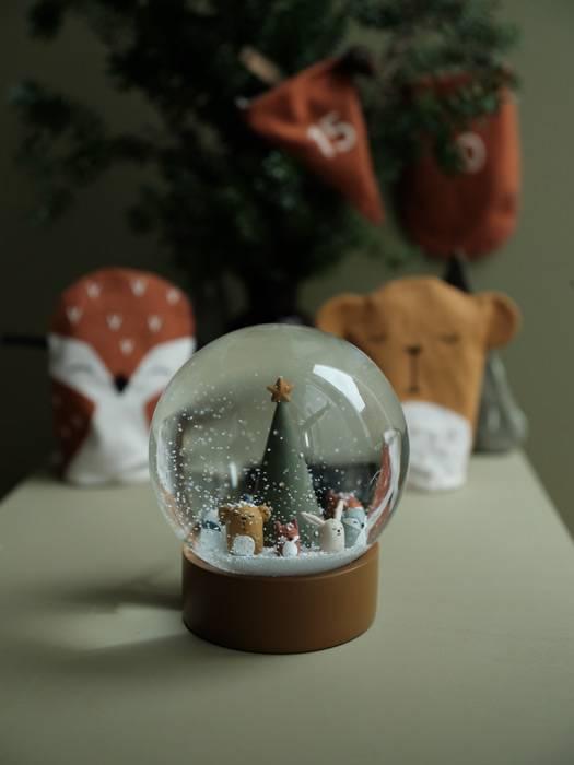 boule-de-neige-decorative-noel