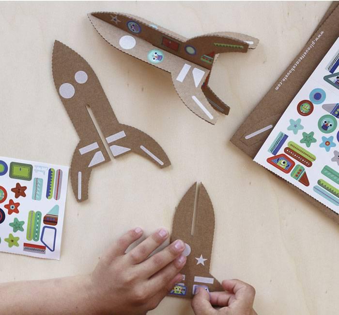 fusee-carton-jeu-creatif-enfant