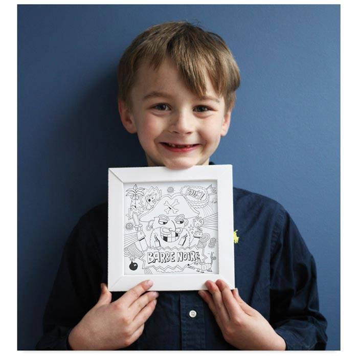 deco-cadeau-enfant-cadre-pirate-a-assembler-et-colorier