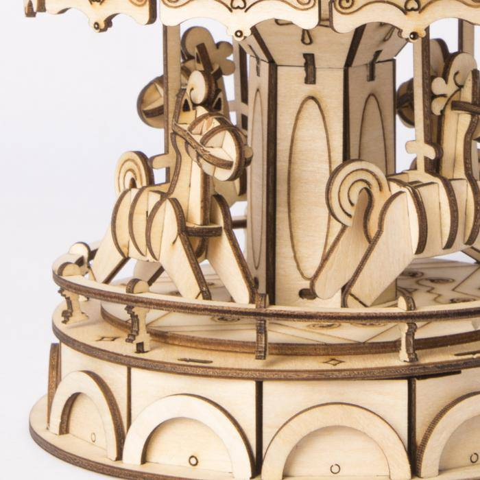 carrousel-en-bois-a-assembler