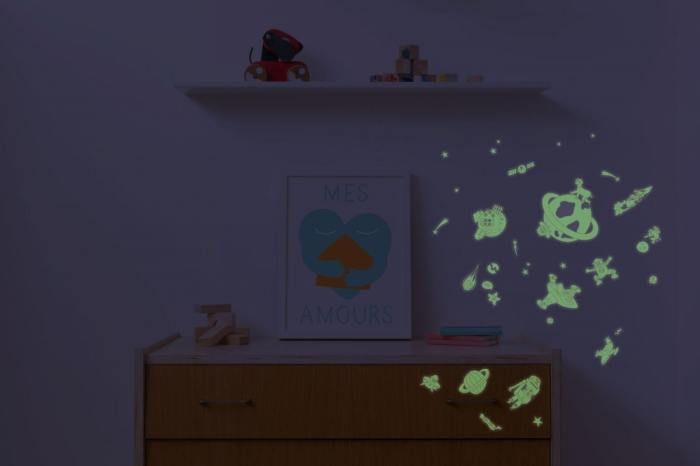 Sticker-deco-chambre-enfant-phosphorescent