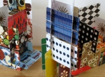 Construction-chateau-de-cartes-eames-enfant