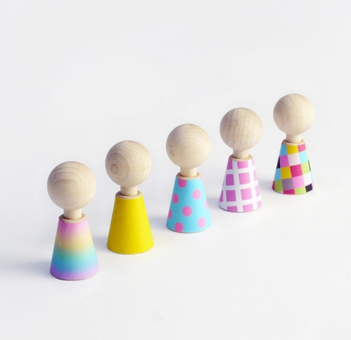 Figurines-bois-design-pebbles-color