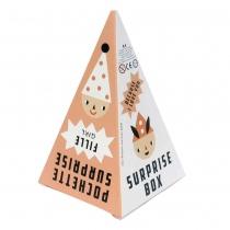 cone-fille-surprise-cadeau-petits-jouet