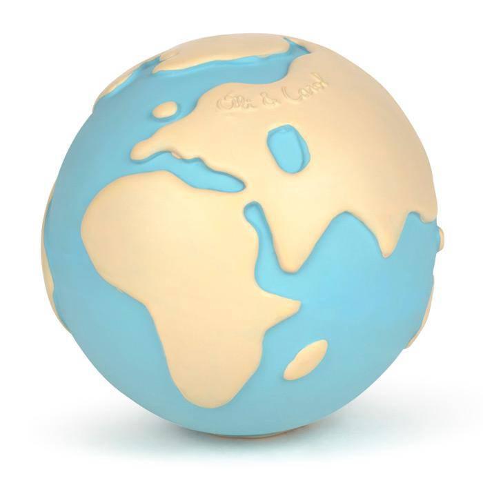 earthy-the-world-ball-oli-and-carol