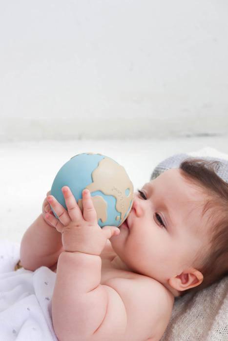 jouet-bebe-balle-monde