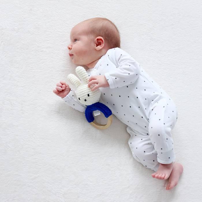 miffy-en-crochet-couleur-bleu-fonce