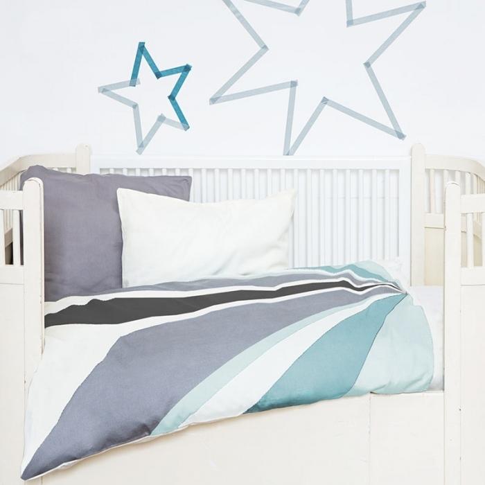 housse-couettte-petit-lit-bebe
