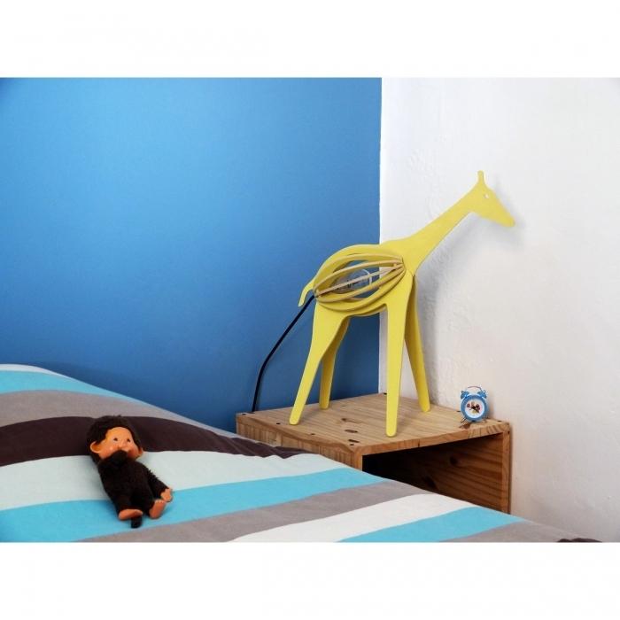 jolie-lampe-design-girafe-jaune