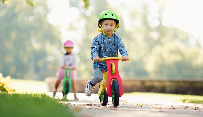 idees-de-jeux-et-jouets-pour-jouer-au-parcs