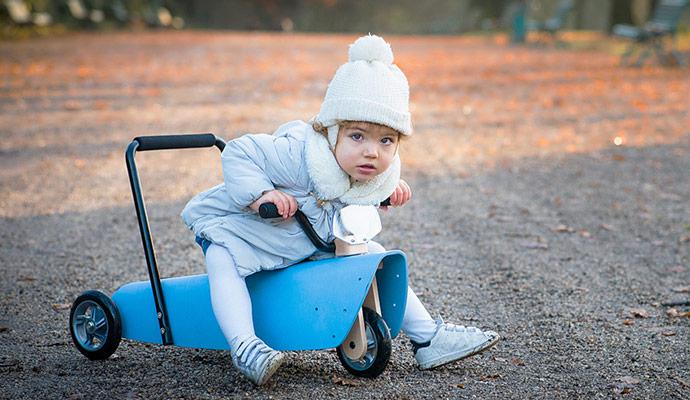 beaux-cadeaux-enfant-les-voitures-a-pedales
