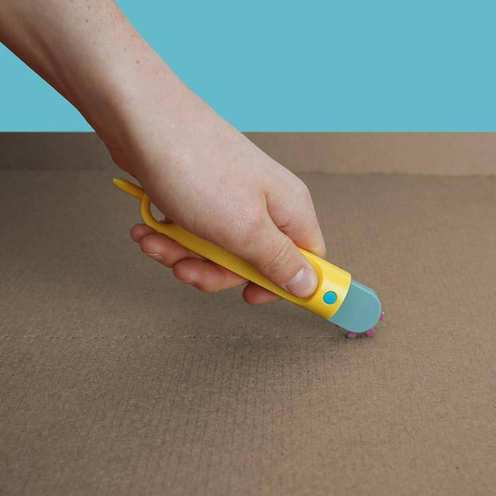 outils-enfant-pour-jouer-avec-carton
