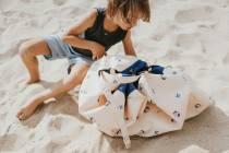 tapis-sac-de-rangement-impermeable-motif-ballon-plage