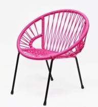 Tica-la-chaise-rose-en-scoubidou
