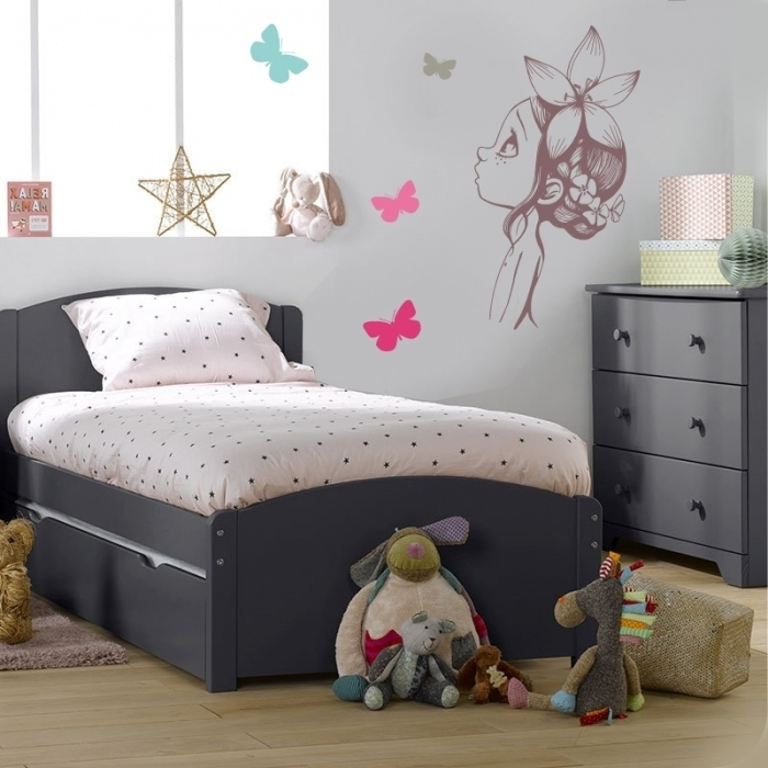 Sticker chambre enfant wild girl 2 for Grande chambre fille