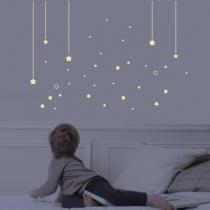 Sticker-mural-enfant-etoile-phosphorescent