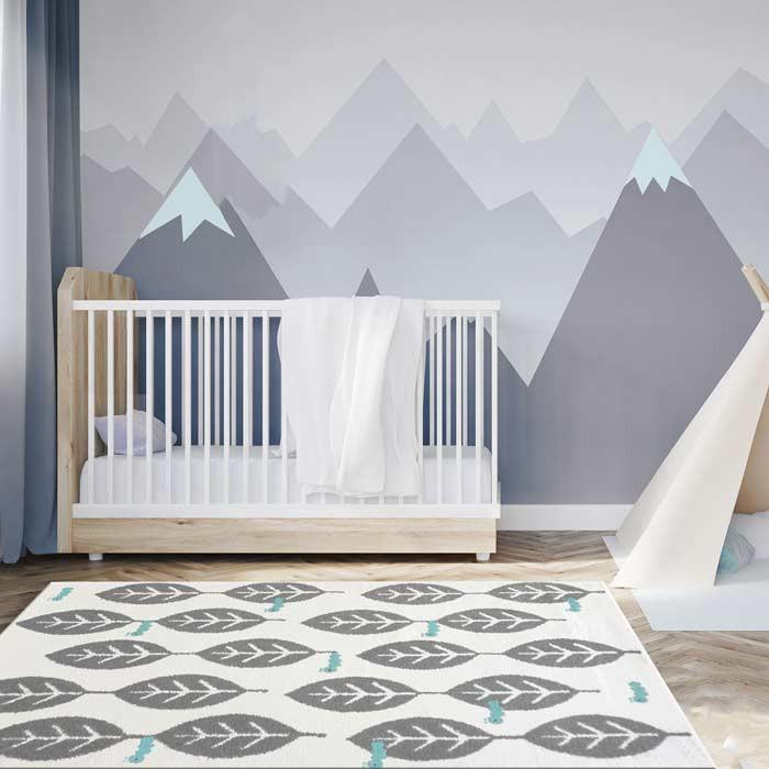 Tapis-feuilles-grises-chambre-bebe