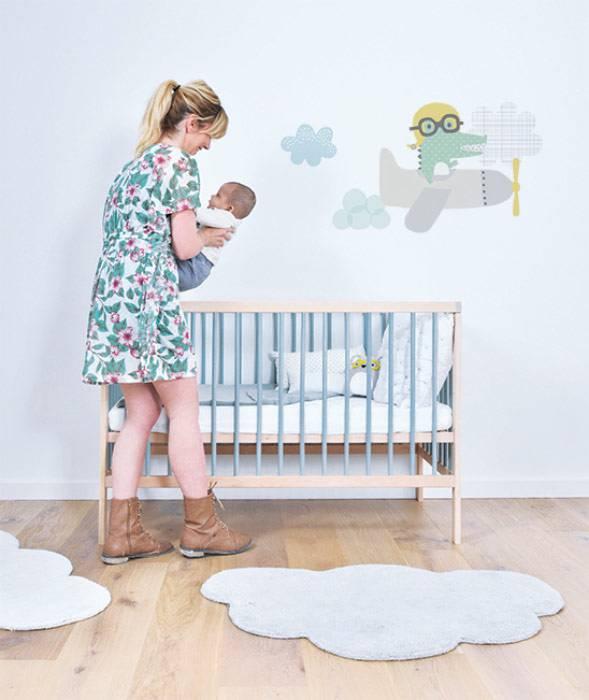 Chambre-bebe-tapis-nuage-blanc