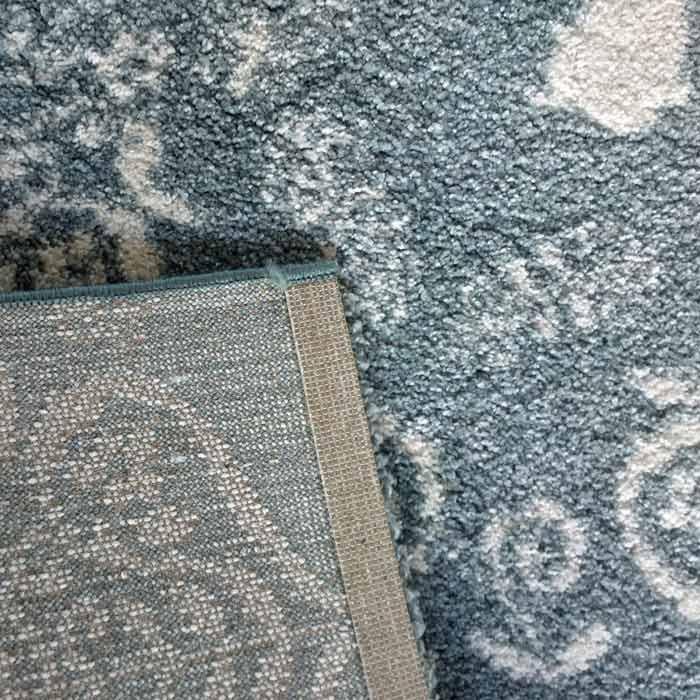 Tapis-lapin-gris-ornement