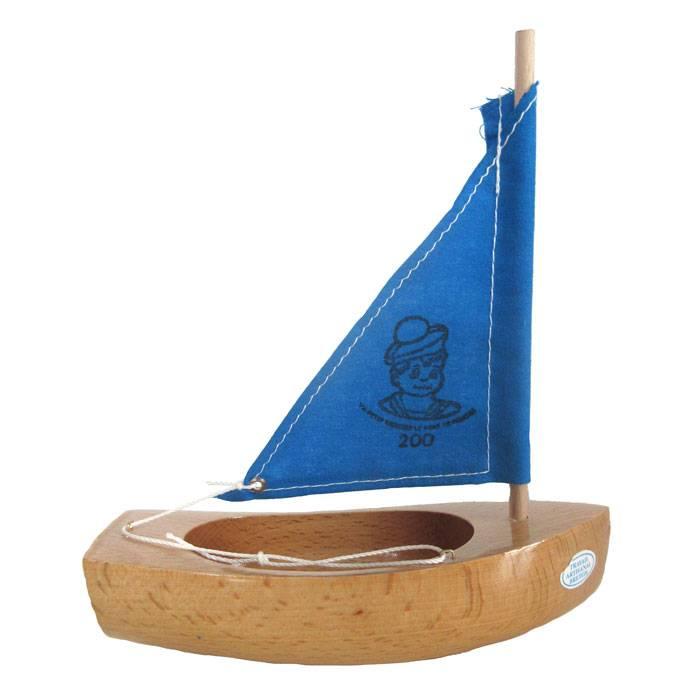 thonier-coque-vernie-voilure-bleue