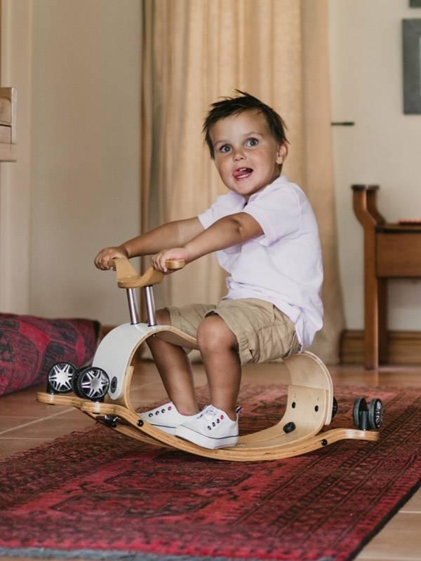 flip-wishbone-pour-les-enfants-des-un-an